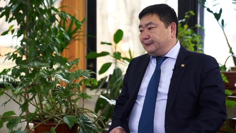 Бериков Чингис, Халимгийн дарга удирдлагууд их залуужиж, илүү Монгол болжээ