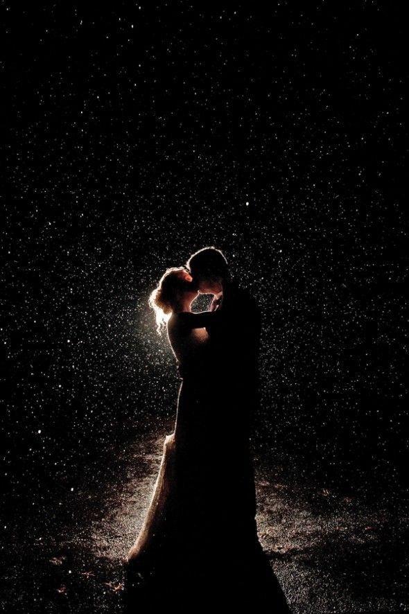 Мы в жизни любим только раз, а после ищем лишь похожих.