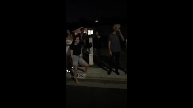 Личное видео из инстаграм-истории Кортни (04/08/18)