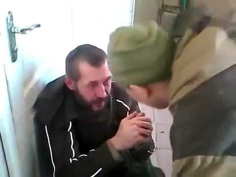 'Гражданская война ' в Украине якут или бурят избивает русского бандита москвича дезертира