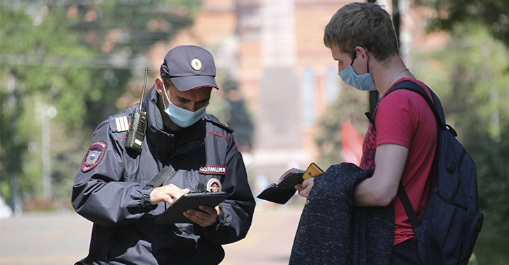 В городе Таганроге проводится мониторинг соблюдения «масочного режима»