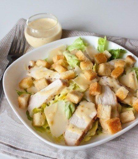 """Салат """"Цезарь"""" с курицей - классический рецепт!"""