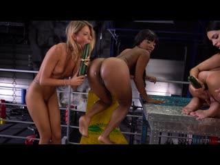 Rebecca Volpetti  Kira Queen  Kiki Minaj  Martina Smeraldi - Snack  Sex _1080p
