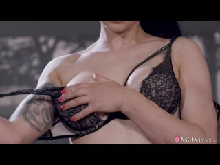 [MomXXX] Billie Star - [2020, All Sex, Blonde, Tits Job, Big Tits, Big Areolas, Big Naturals, Blowjob]