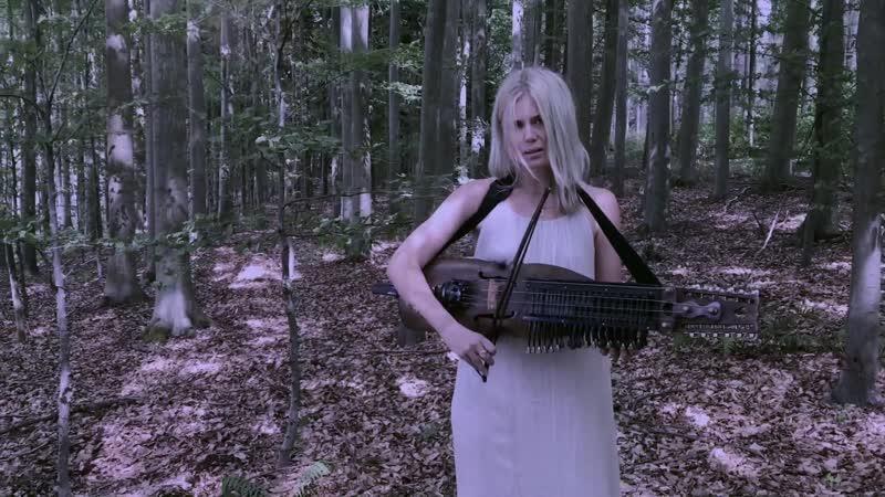 Ramund (Danish folk song) on Nyckelharpa - Myrkur
