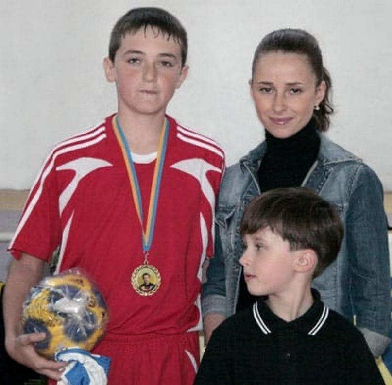 На турнире памяти Олега Великого. Екатерина и Никита стоят справа