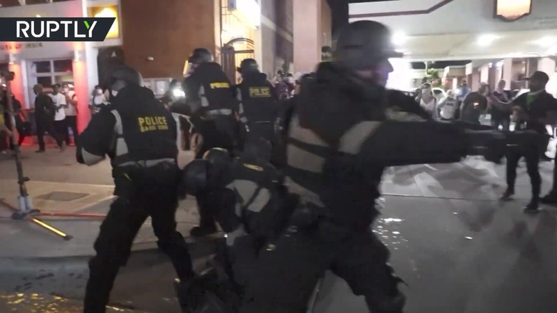 Cleveland protest turns brutal Tear gas disperses protesters outside Justice Center