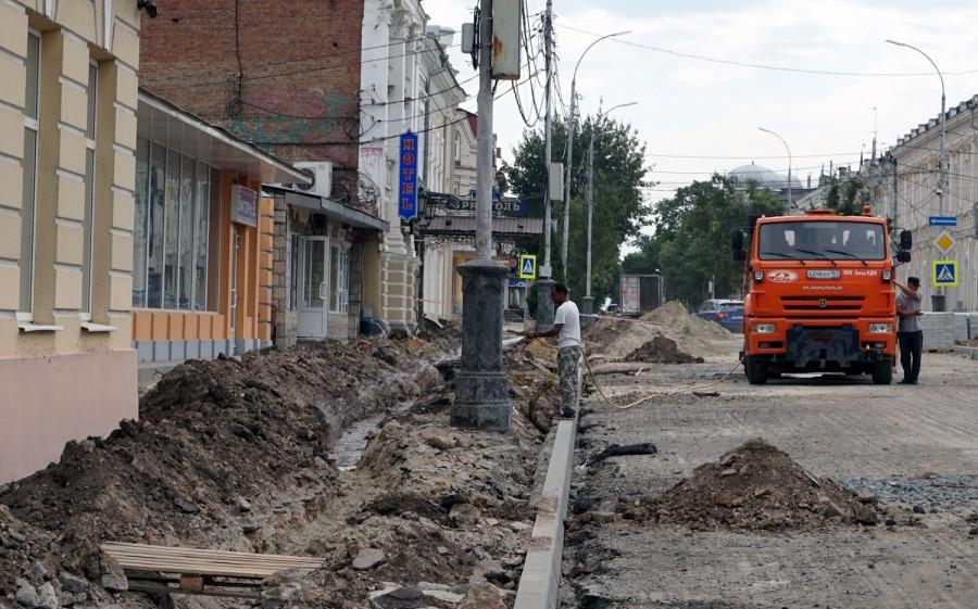 Депутаты Гордумы Таганрога ознакомились с ходом работ по реконструкции улицы Петровской