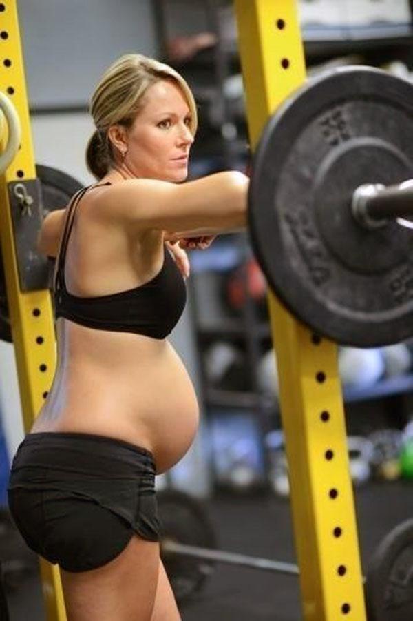 Что думаете о тренировках во время беременности?