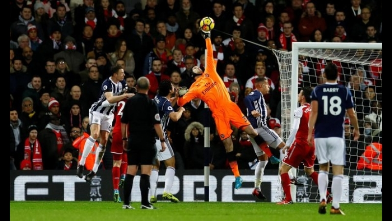 Petr Cech is very pissed off after controversial draw