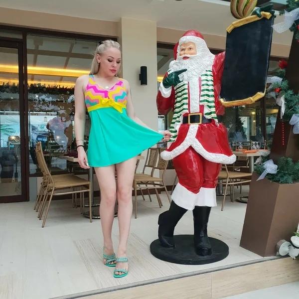 Российская порнозвезда рассказала о страхе перед возвращением на родину Российская порноактриса Любовь Бушуева, известная под псевдонимом Лола Тейлор, рассказала о том, что боится возвращаться в