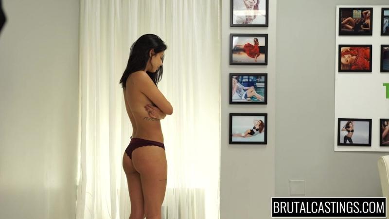 Девушку износиловали на кастинге Teen raped at casting Gina Valentina