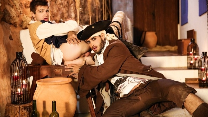 ПОХОТЛИВЫЙ ЖЕРЕБЕЦ - Pirates A Gay XXX Parody Part 1 - Diego Sans Fucks Johnny Rapid