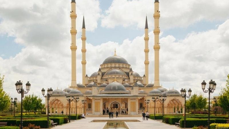 Кобил Кори = Масчид Оботлари Qobil Qori = Masjid Odoblari