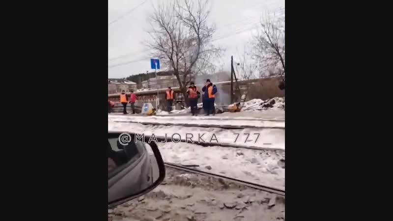 И в дождь, и в снег. Южноуральцы возмущены ремонтом моста в Златоусте