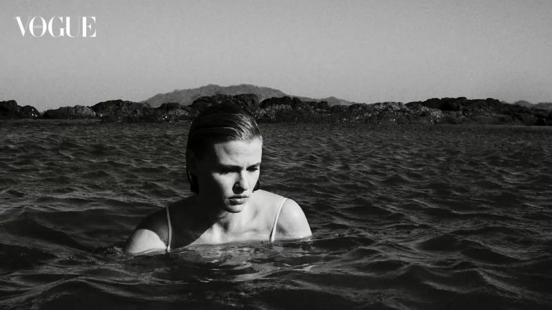 Lara Stone, una belleza sin límites en Vogue Mayo España 2018