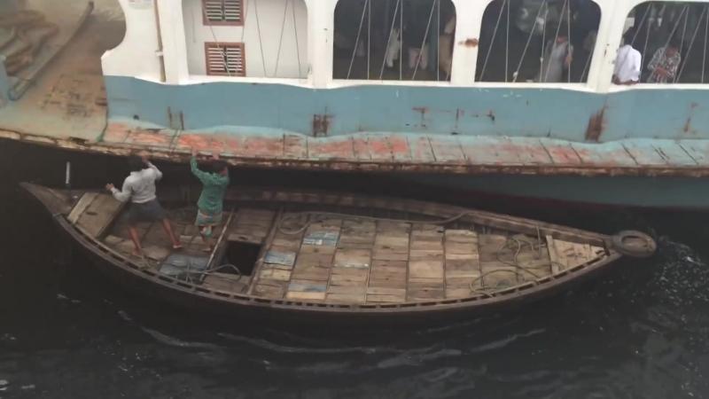 Сумасшедший порт Бангладеша