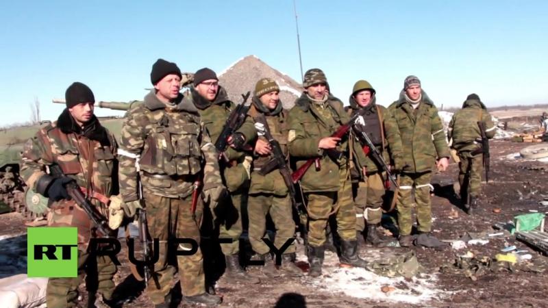 Ukraine_ Flag of Novorossiya flies high in Debaltsevo