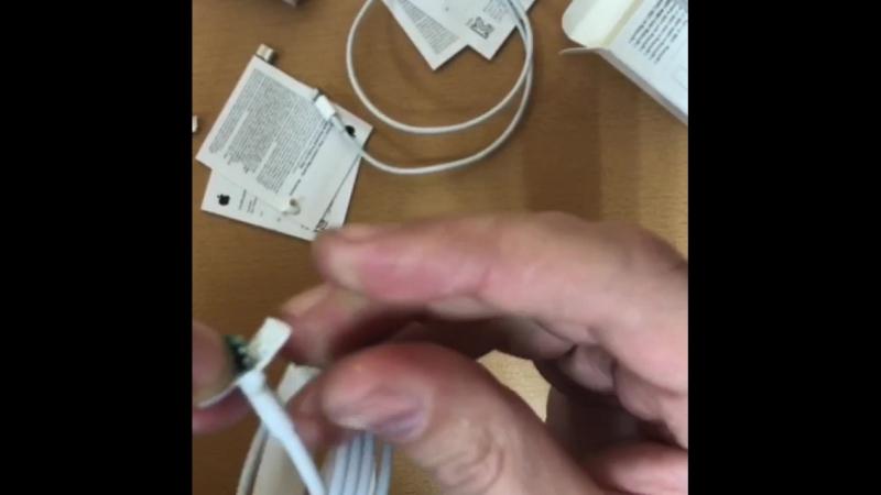 Основные различия оригинального и аналогового кабеля на айфон.
