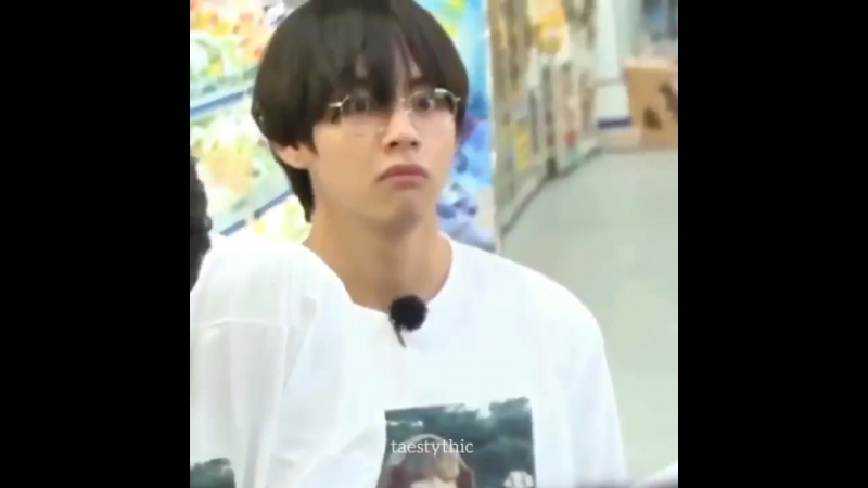 Taehyungs eyes get two times bigger and he looks like a lost puppy whenever hes shocked uw.mp4