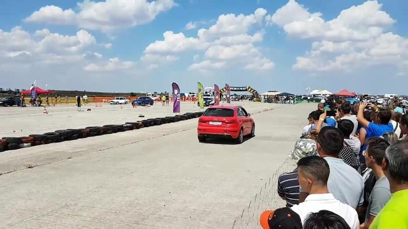 Audi RS Q3 vs Audi RS Q3 10.06.2018 Драг Рейсинг в Октябрьском