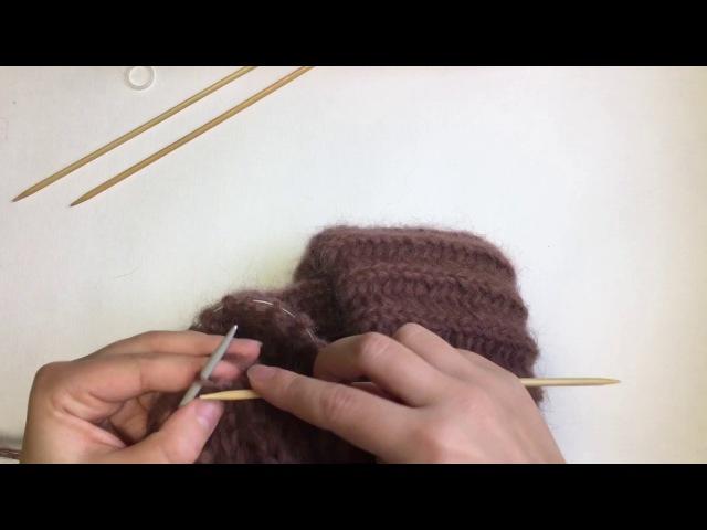Как закрыть макушку мохеровой шапки, связанной английской резинкой