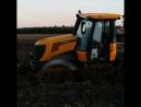 Спасение застрявшего в грязи трактора