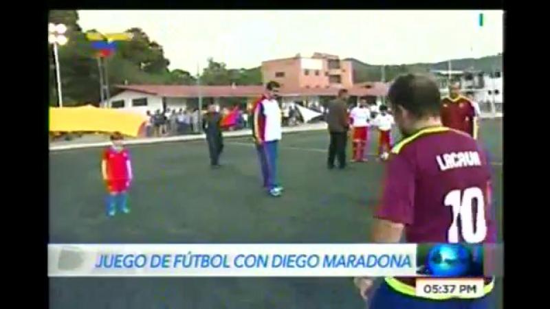 Maduro y Maradona protagonizan juego de fútbol en Caracas