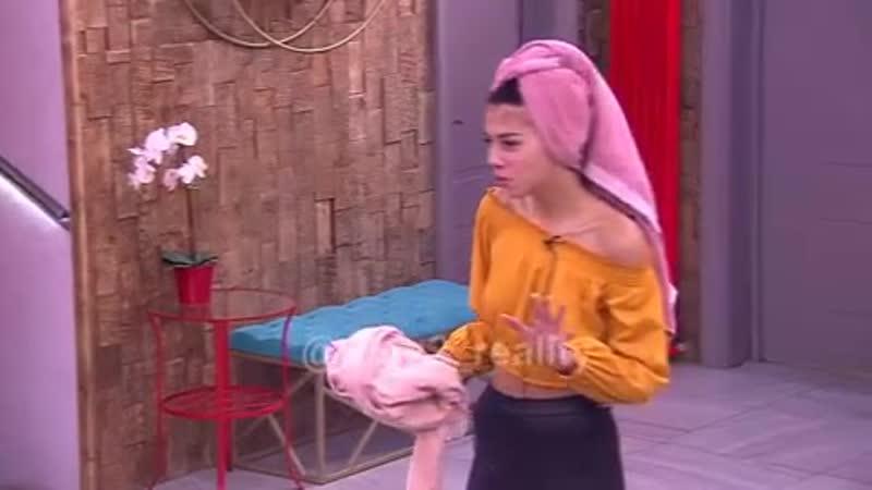 Не пропусти завтра в эфире Дом-2 на ТНТ Тухлая Пингвинова жалуется, что спит с каким-то Максимом...