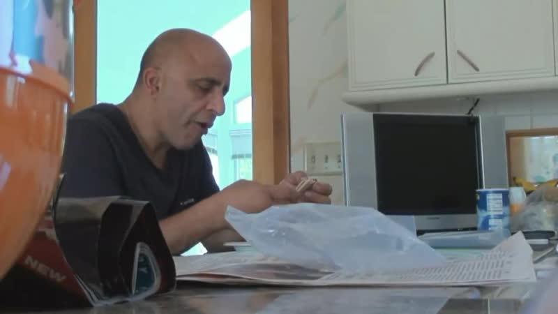 Миха Иванов ворвался в дом к лысому мужику