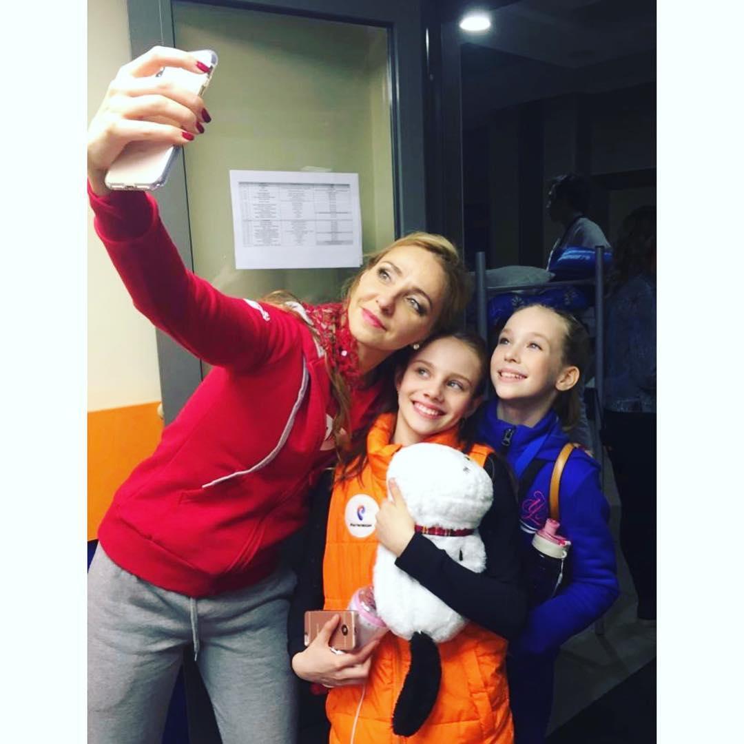 Ледовые шоу-2018-2019 - Страница 8 LqN922gp_4Y