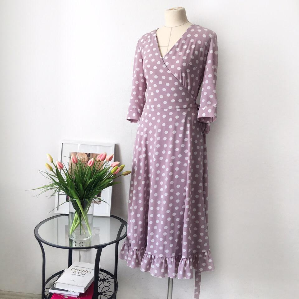 Какое оно нежное и манящее в свои объятия ️ Платье на запах из легкого шифона на подкладке создано на заказ 🧚️