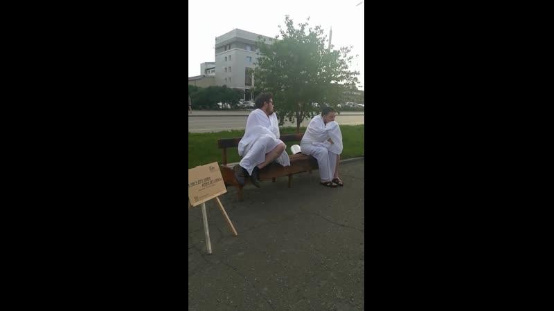 Актеры на проспекте Ленина (ЧёрноеБелое Барнаул)