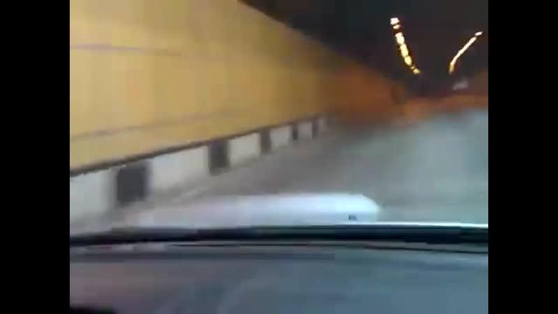 Въезжают в пробку на скорости 200 км-ч