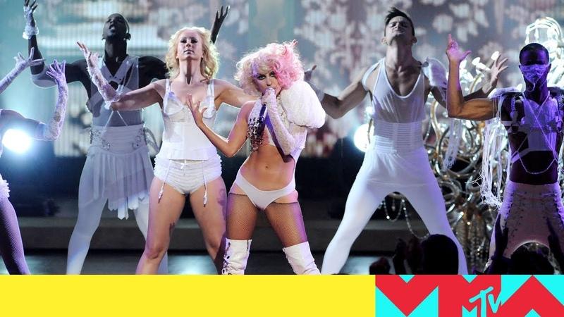 Lady Gaga Performs 'Poker Face' / 'Paparazzi' (2009) | VMAs
