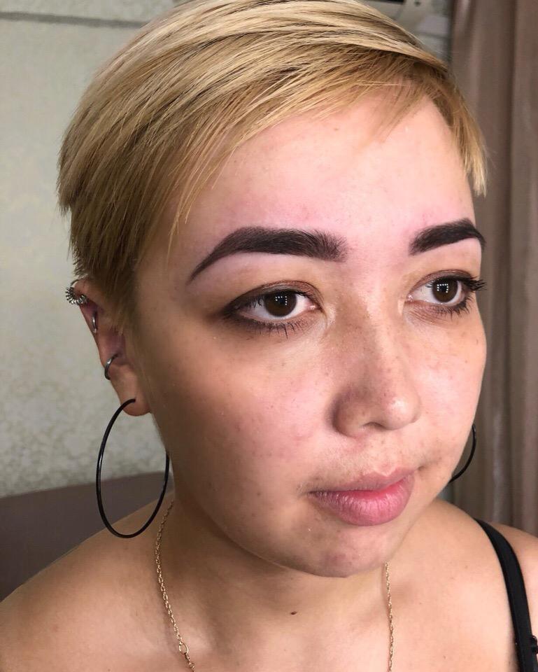 Меня зовут Вероника , сертифицированный мастер бровист и мастер по ламинированию рениц !