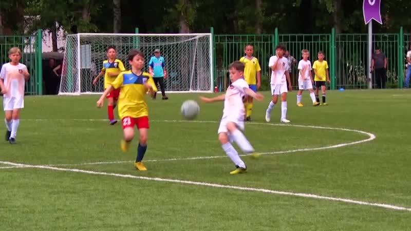 День футбола на обновленном стадионе тагильской школы
