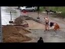 Мужик из Хабаровска так устал ждать воду у себя дома