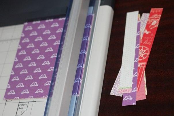 НОВОГОДНЯЯ ЕЛКА ИЗ БУМАГИ Из цветной бумаги и картона можно сделать оригинальную новогоднюю елку своими руками. Подробный мастер-класс см. на