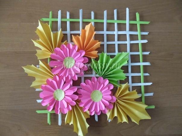 Панно в технике бумагопластика: «Осеннее настроение». Материалы и инструменты: офисная бумага А-4 (белая, жёлтая, зеленная, оранжевая, красная, розовая), клей ПВА, линейка, карандаш, ножницы,