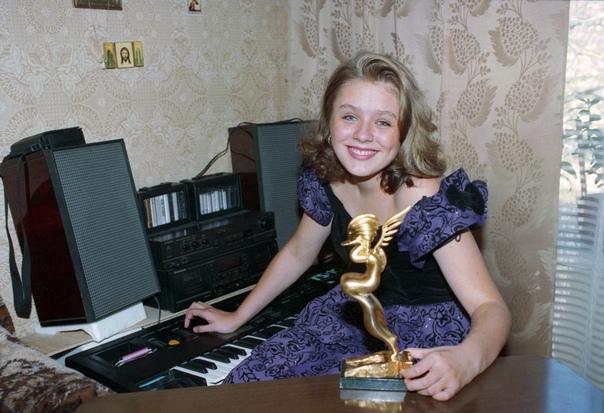 Юлия Началова обошла Кристину Агилеру на музыкальном конкурсе в 15 лет.