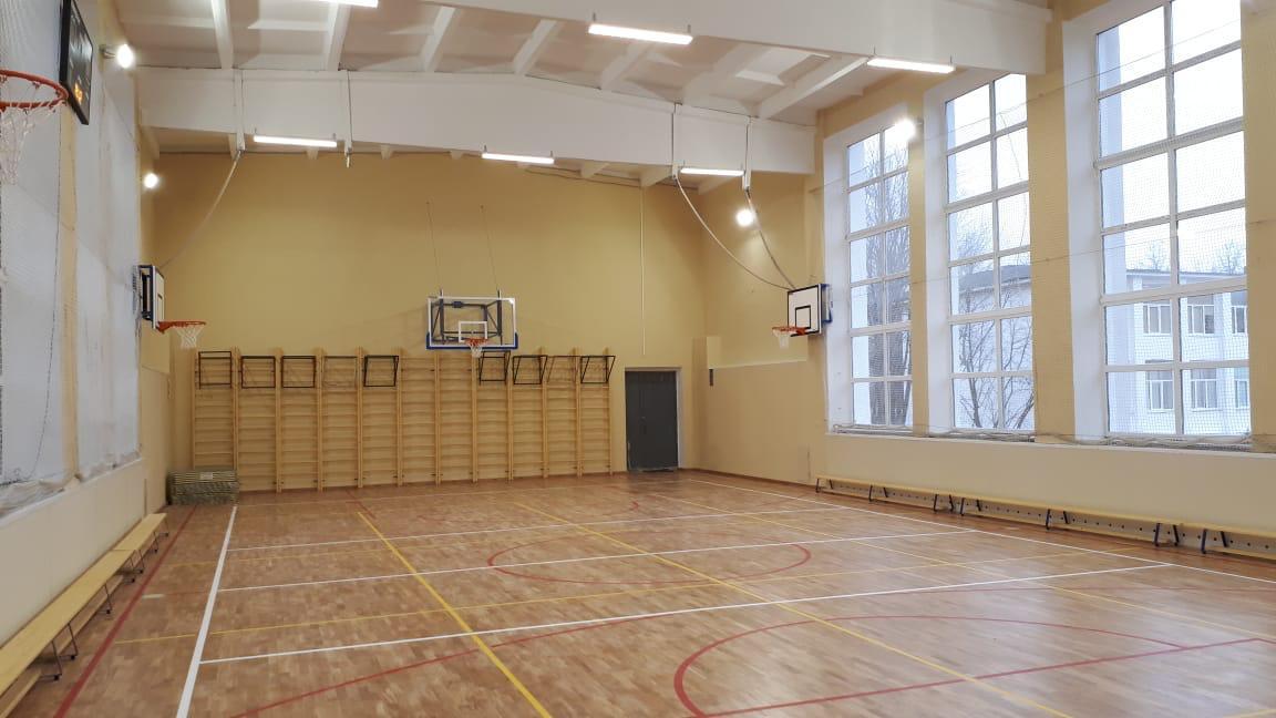 Выпускник гимназии №8 спонсировал новый многофункциональный спортзал