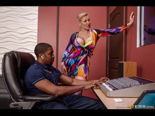 Brazzers - Pounded By The Producer / Ryan Keely & Isiah Maxwell / NewPorn2020