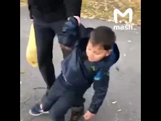 Мальчик не хочет идти в школу NR
