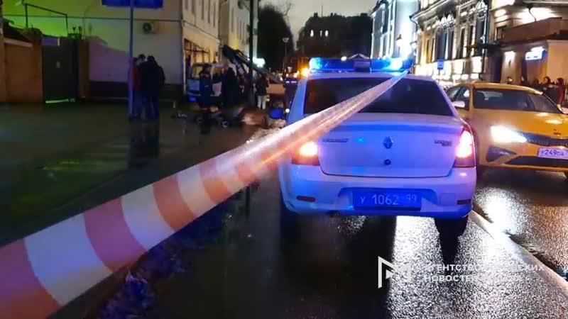 Конь по кличке Голиаф наступил в лужу и погиб от удара током в центре Москвы на Малой Никитской