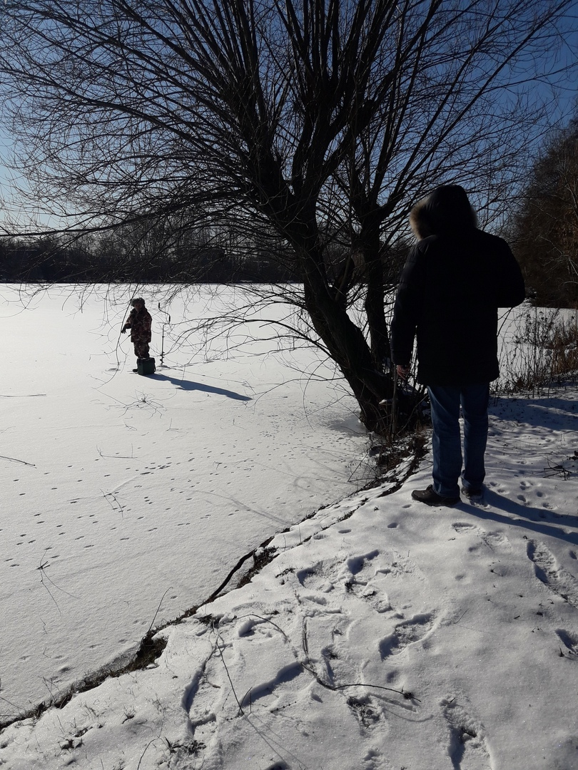 17 курян прогнали спасатели со льда на выходных
