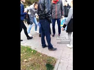 Парень решил разыграть пассажиров и бросил пакет в автобус c криком Аллах Акбар  Ростов-на-Дону Главный