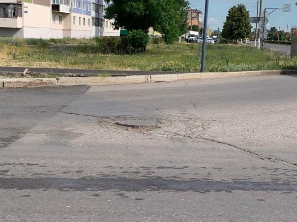 Привет «ПЮГА» Сегодня двигаясь по ул.Островского и поворачивая на...