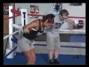 Упражнения с гантелями на руки плечи для бокса Фредди Роуч