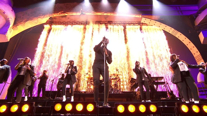 STORMZY - HEAVY IS THE HEAD MEDLEY ANYBODY feat. BURNA BOY [LIVE AT THE BRITs 2020]